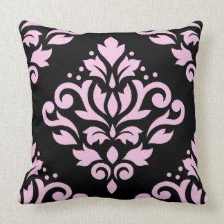 Rosa grande del diseño del damasco de la voluta en cojín decorativo