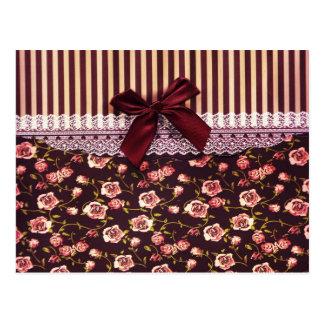Rosa lindo y flores del vintage de Brown Postal