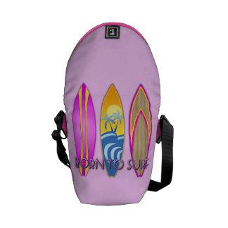 Rosa llevado para practicar surf bolsas de mensajería