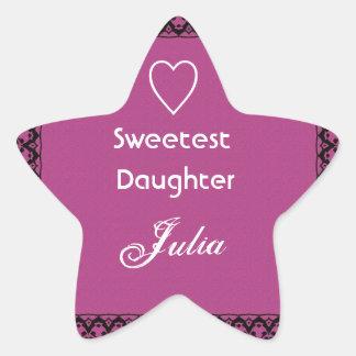 Rosa magenta de la hija más dulce y regalo del pegatina en forma de estrella