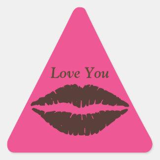 Rosa marrón de la impresión del lápiz labial pegatina triangular