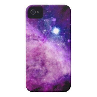 Rosa púrpura de la nebulosa de la estrella del cm  iPhone 4 Case-Mate cárcasa