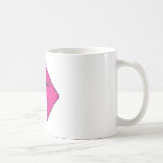 Rosa que cruza del puma taza básica blanca