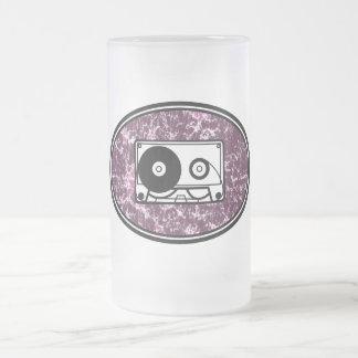 Rosa retro de la cinta de casete jarra de cerveza esmerilada