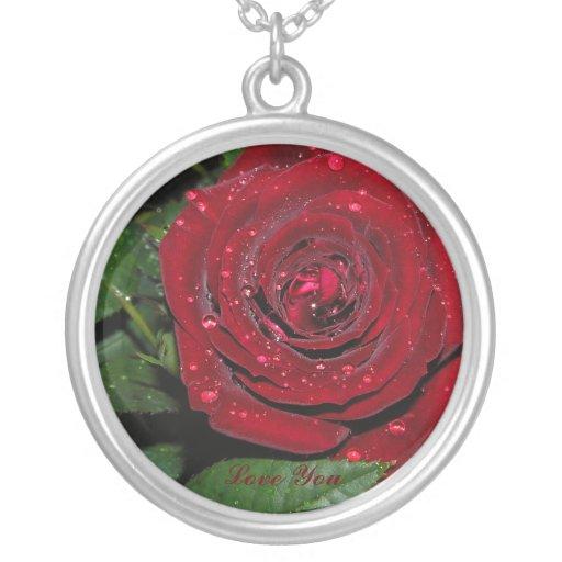 Rosa rojo #2 colgante redondo
