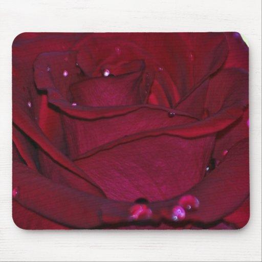 Rosa rojo apasionado alfombrilla de raton