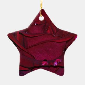Rosa rojo apasionado adorno de cerámica en forma de estrella