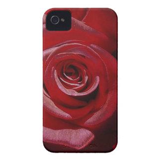 Rosa rojo aumentado Digital en la plena floración iPhone 4 Carcasa