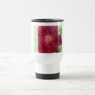 Rosa rojo del rezo de la serenidad en verde taza térmica