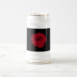 Rosa rojo. Fondo negro Taza