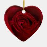 Rosa rojo magnífico ornamentos de navidad