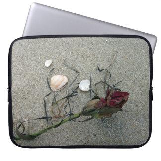 Rosa rojo perdido en el mar mangas portátiles
