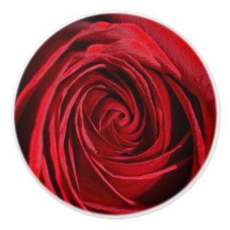 Rosa rojo pomo de cerámica