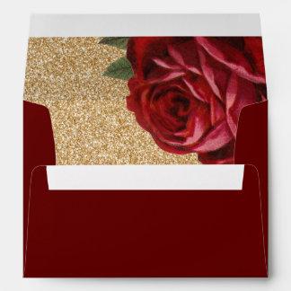 Rosa rojo y falsos sobres del brillo del oro