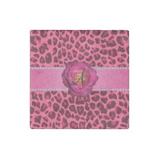 Rosa rosado del leopardo del monograma subió imán de piedra
