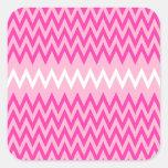 rosa y blanco con pequeños zigzags rosados