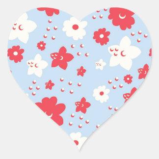 Rosa y crema del pétalo de los azules cielos con calcomanías de corazones