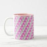 Rosa y diseño bonitos de la raya de la pedrería cl tazas