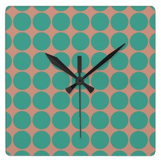 Rosa y diseño polvorientos de los puntos del reloj cuadrado