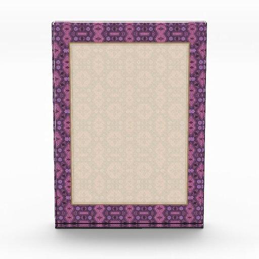 Rosa y floral geométrico retro púrpura