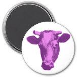 Rosa y gráfico retro púrpura de la vaca iman de nevera