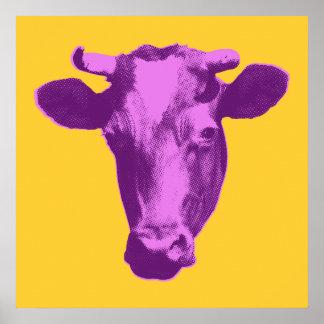 Rosa y gráfico retro púrpura de la vaca poster