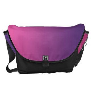 Rosa y grande púrpura bolsas de mensajería
