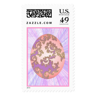 Rosa y huevo pintado púrpura franqueo