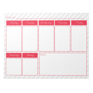 Rosa y libreta gris del calendario semanal bloc de notas