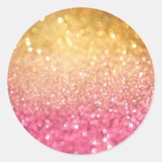 rosa y mirada del brillo del oro pegatina redonda