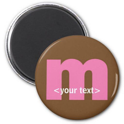 Rosa y monograma de Brown - letra M Imán Redondo 5 Cm