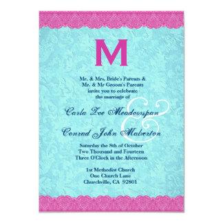 Rosa y monograma del cordón de la aguamarina que invitación 11,4 x 15,8 cm