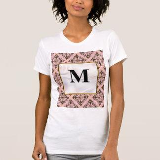 Rosa y monograma del damasco de Brown Camisetas