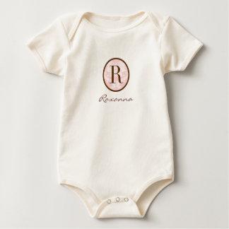 Rosa y monograma elegantes R de Brown Body De Bebé