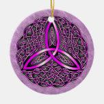 Rosa y negro célticos del nudo de la trinidad del  ornaments para arbol de navidad