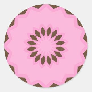 Rosa y pegatinas de la mandala de la flor de Brown Pegatina Redonda
