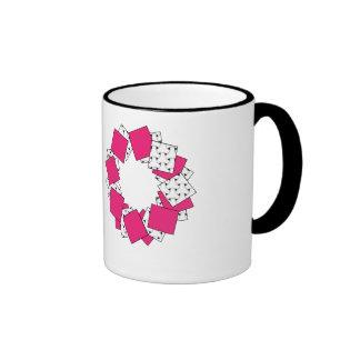 Rosa y taza rosada rayada