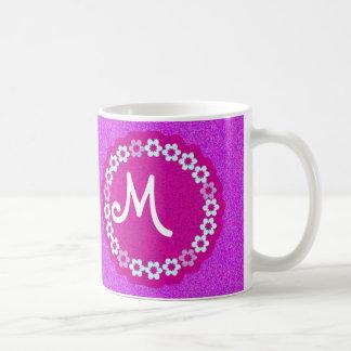 Rosado bonito con monograma y púrpura de las tazas