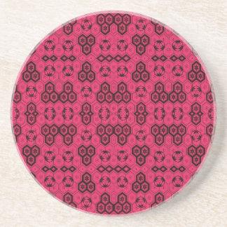 Rosado del modelo geométrico de la diversión y neg posavasos cerveza