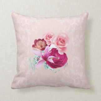 Rosado hermoso y con las almohadas florales de