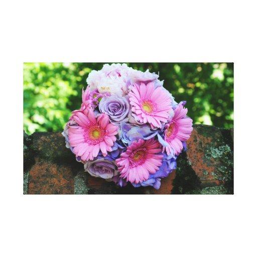 Rosado y púrpura florece el ramo impresión en lienzo estirada