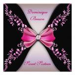 Rosados y negros elegantes invitan con el arco del