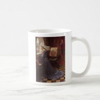 Rosamund justo en la ventana taza