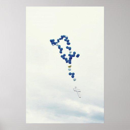 Rosario azul en el cielo póster