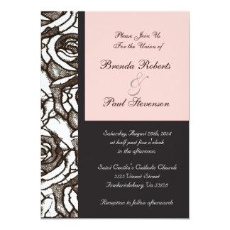 Rosas adaptables que casan la invitación