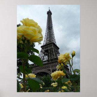 Rosas amarillos de París de la torre Eiffel magníf Póster