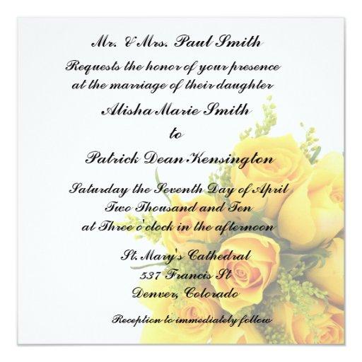Rosas amarillos que casan la invitación de la