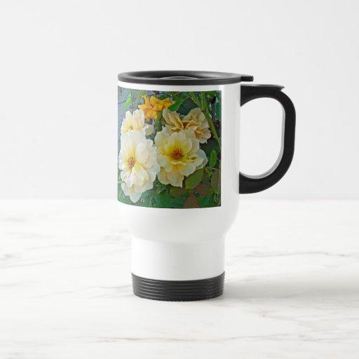 Rosas amarillos tazas