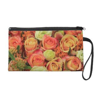 rosas amarillos y anaranjados por Therosegarden