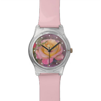 Rosas amarillos y rosados reloj de mano